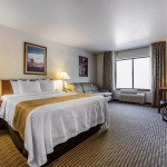 King suite with king bed and amenities